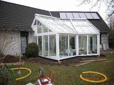 <h3> </h3>  Einbau von Dachverglasung mit Beschattung und Unterbauelementen
