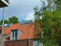 First-Lichtkuppel im Dach eingebaut mit Belüftungsfenster