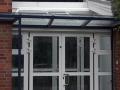 Aluminiumelement mit Haustürvordach