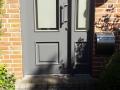Holzhaustür mit feststehendem Seitenelement