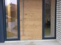 Eiche-Haustüranlage mit zwei feststehenden Seitenelementen