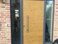 Eiche Haustüranlage mit zwei feststehenden Seitenelementen und Oberlicht
