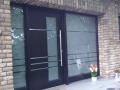 Meranti Holzhaustür mit zwei festverglasten Seitenelementen