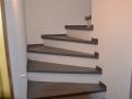 Treppenstufen Buche keilgezinkt, anthrazit-grau gebeizt