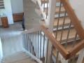 Treppengeländer in weißlack mit Handlauf in Eiche