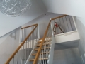 Eiche-Massiv Treppe auf Edelstahlbolzen gelagert