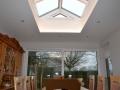 Flachdach mit Lichtkuppel als Satteldach/Innenansicht